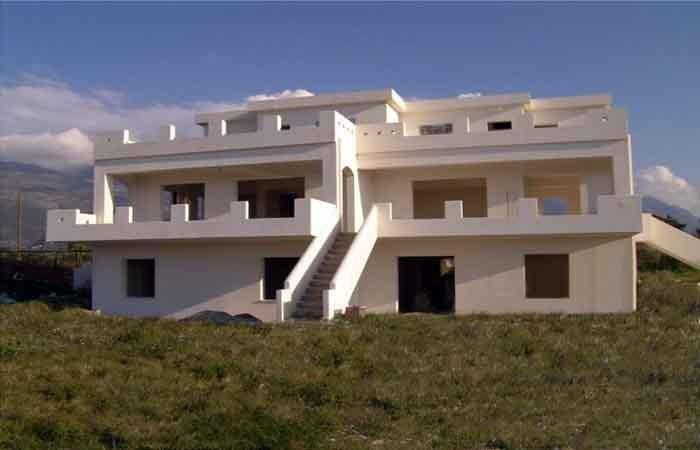 2-όροφη οικοδομή κατοικιών