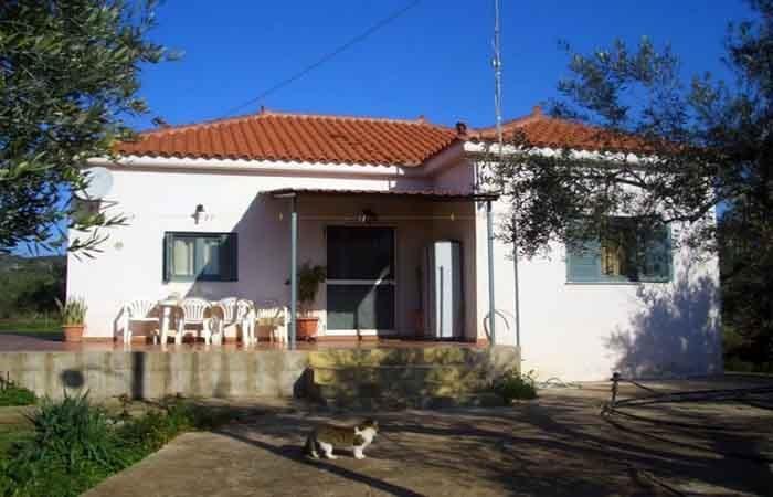 Μονοκατοικία κοντά στην Τραγάνα και στο Γκολφ Costa Navarino