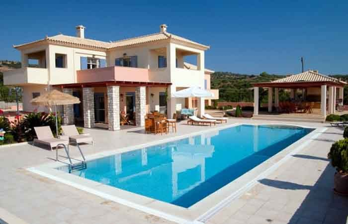 VILLA IN MESSINIA