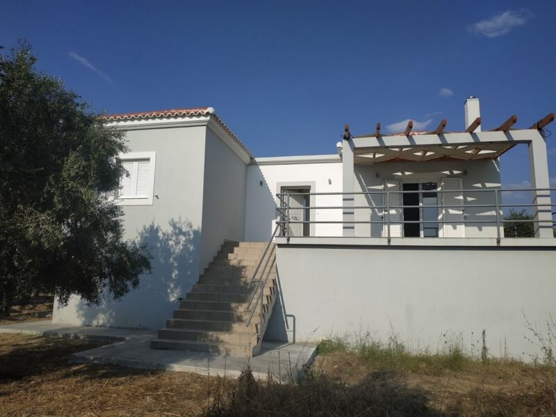 Detached for rent in Finiki