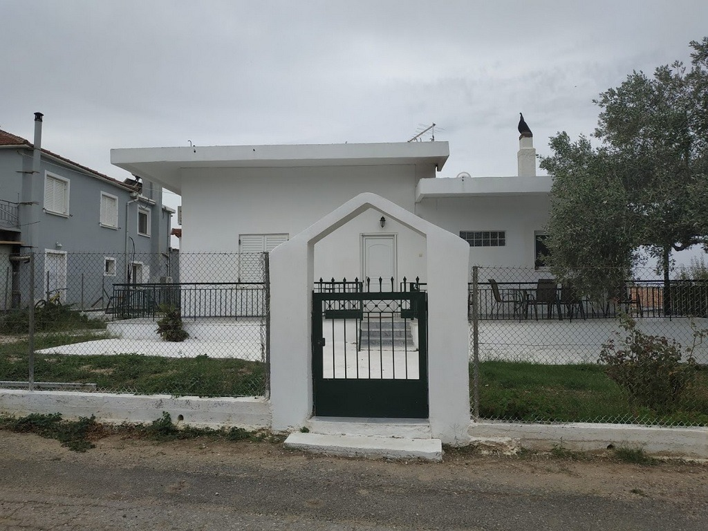 Detached house 80 sqm for rent in Kremidia in the south of Pelopnnes